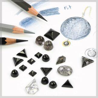 Tourmalinated quartz and black spinel