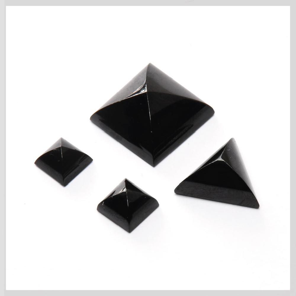 Black spinel cabochons